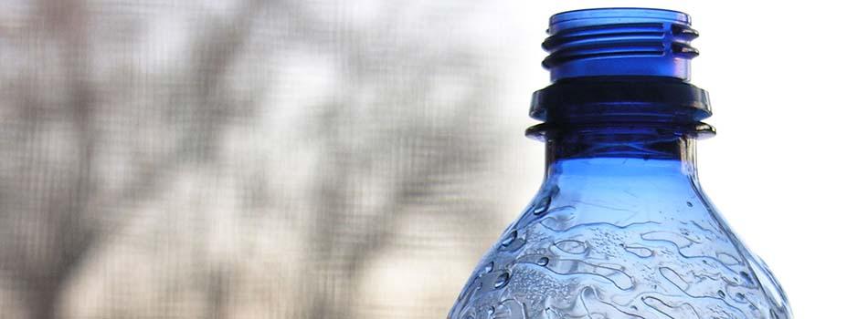 Agua embotellada. Todos sus secretos - Botella de agua
